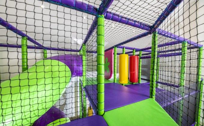 Villa Cuvée Egerszalók - S-tube slide