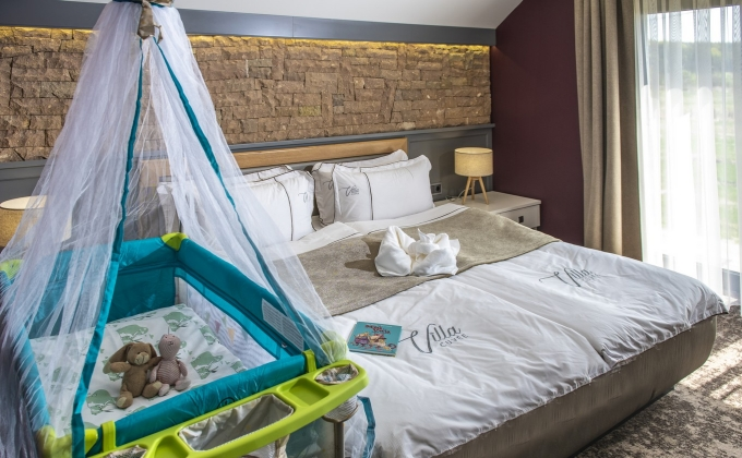 Villa Cuvée Egerszalók - Családi szoba, babaágy