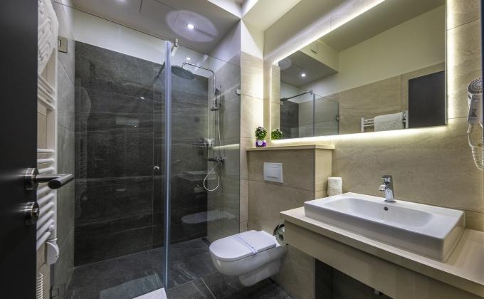 Villa Cuvée Egerszalók - Családi szoba, fürdőszoba