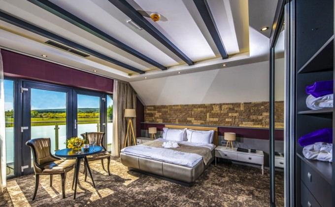 Villa Cuvée Egerszalók - Családi szoba, nappali rész