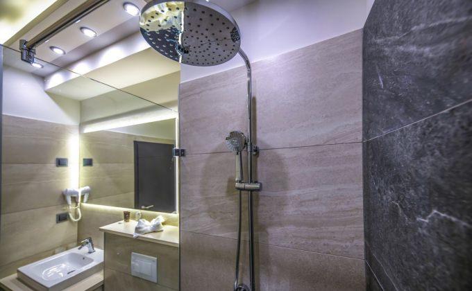 Villa Cuvée Egerszalók - Zuhanyzós fürdőszoba