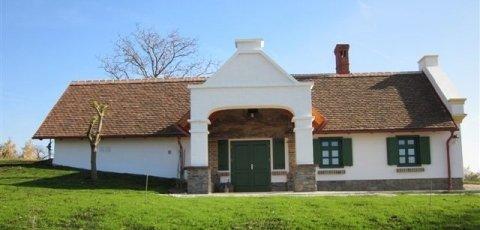 Öreg Pincés Ház