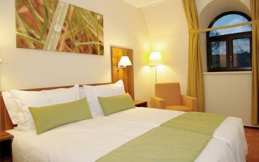 panorama-gyula-classic-szoba