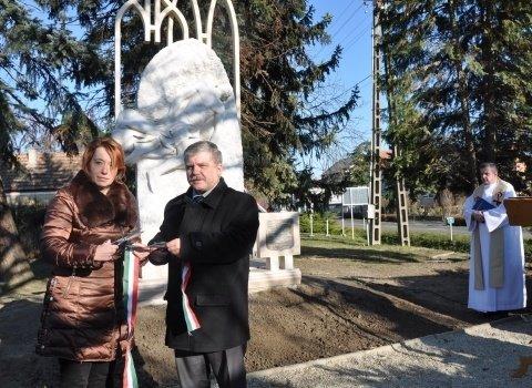 Felavatták a megújított háborús emlékművet