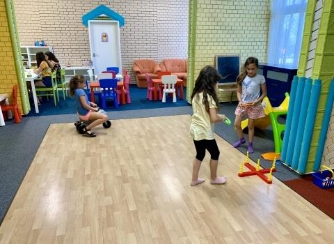 Nyári gyermektáborral segíti munkavállalóit a Hunguest Hotel Freya