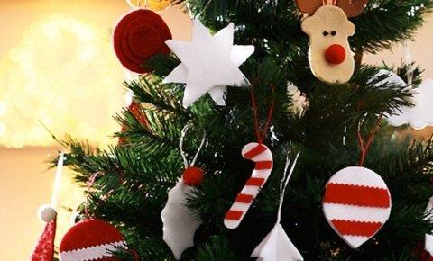 Karácsonyfa díszítés Zalakaroson