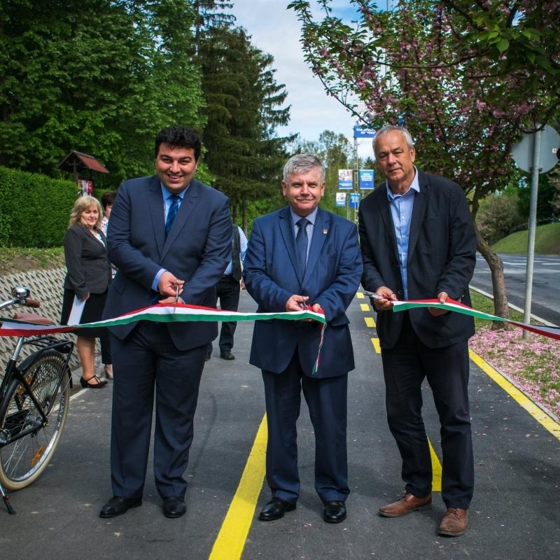 Új kerékpárút szakaszt avathattak