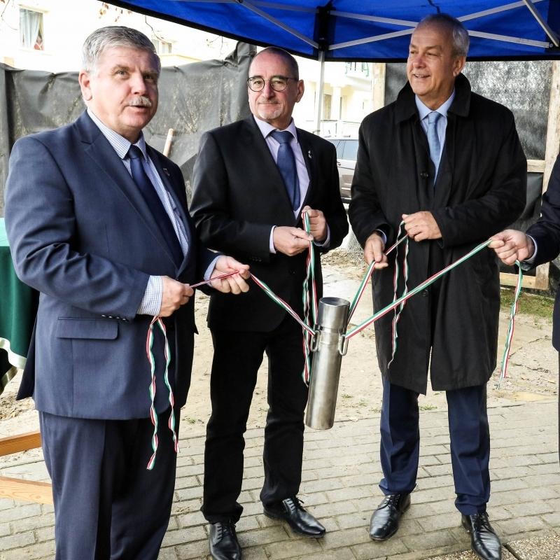Új gyógyhelyközpontot alakít ki a város