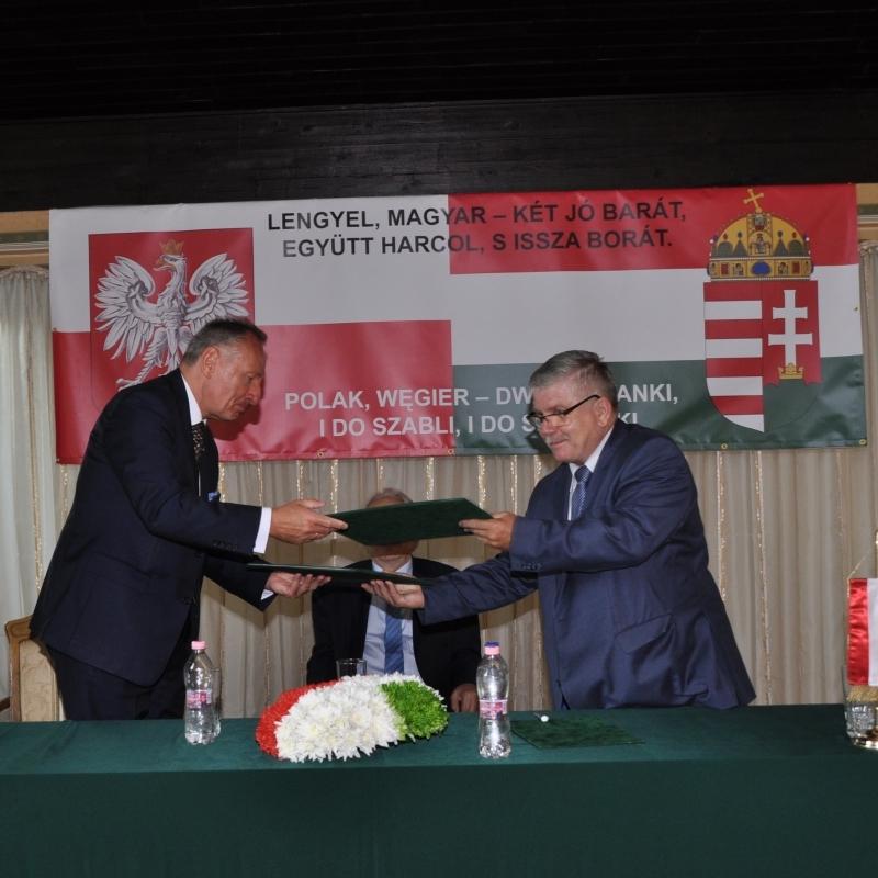 Lengyel-magyar két jó barát