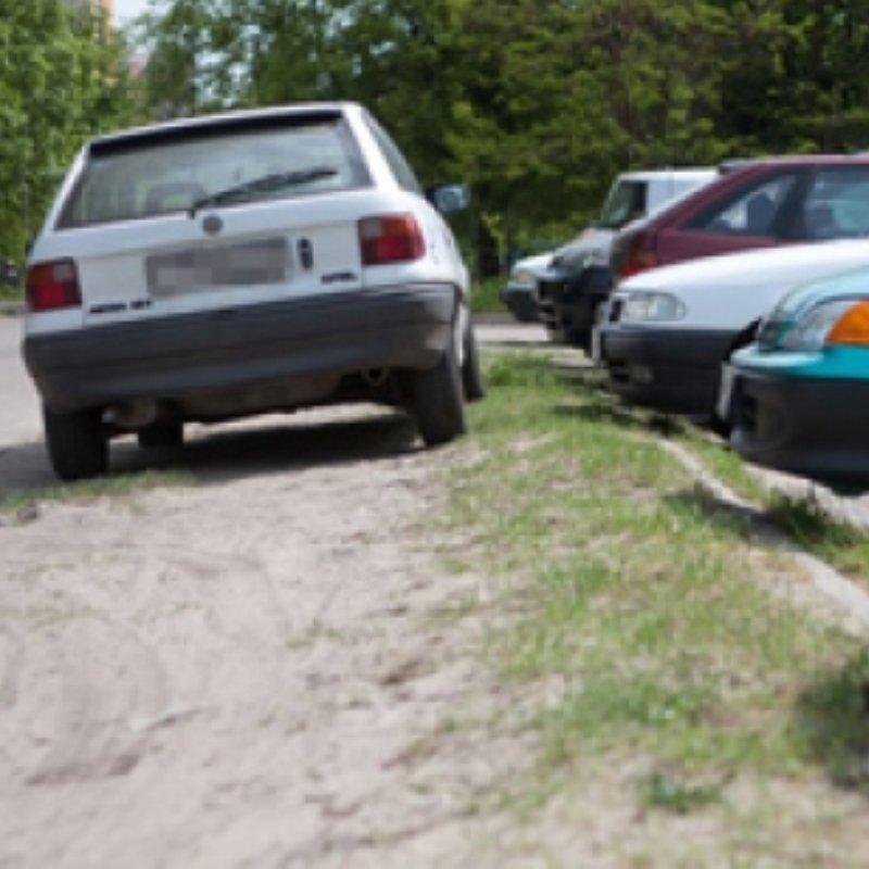 Tájékoztatás a zöldterületen történő parkolásról