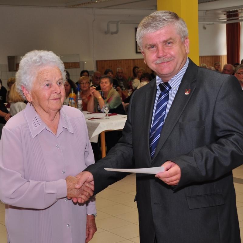 Településünk idős polgárait köszöntötték