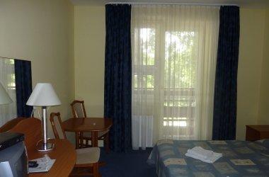 Kétágyas szoba erkéllyel