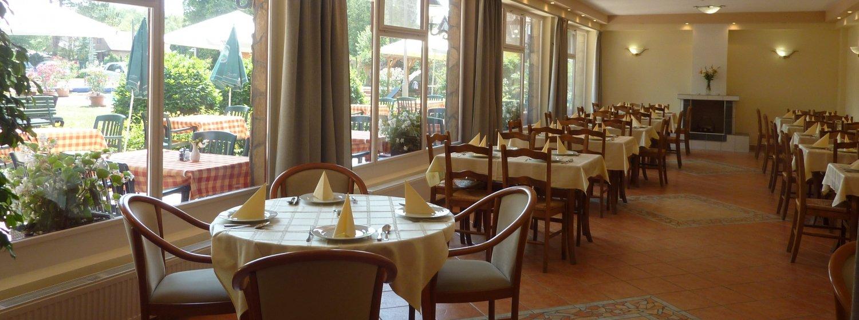 Zsanett Hotel étterem